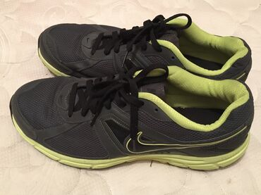Продаю кроссовки Nike, в отличном состоянии. Оригиналы, размер 48.5