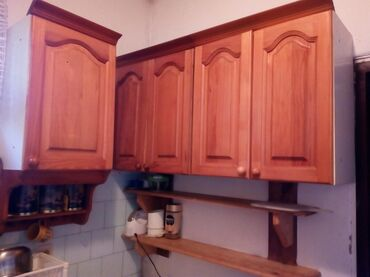 Kuhinjski elementi viseci 2x60 1x40 i 1x60 za aspirator deo. Ova dva