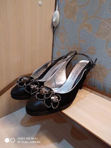Распродаю свою летнюю обувь на каблуках!!!Почти все новыев идеальном