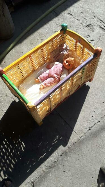 Продаю!!! Кровать для кукол деревянная по вопросам только звонить или