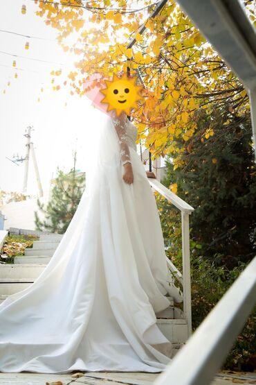 свадебные платья in Кыргызстан   КОНДИТЕРСКИЕ ИЗДЕЛИЯ, СЛАДОСТИ: Свадебное платье сшито на заказ. Шлейф 1 метр. Комплект из 2х частей