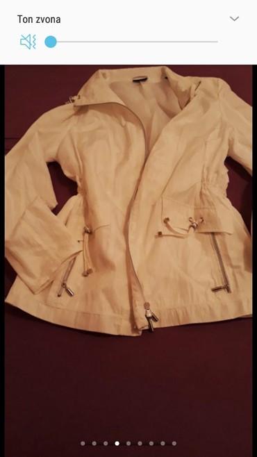 Cisto bele boje jakna..poput suskavca,ne propusta kisu...ne pegla - Belgrade