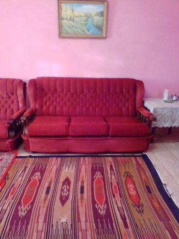 kreslo yatağı - Azərbaycan: Divan - kravat / yataq (matrasli) ve 2 kreslo. Divan eni 2.30m