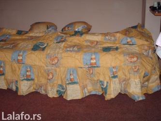 Kvalitetan pamucni dekorativni prekrivac za bracni krevet, sa karnerom - Subotica