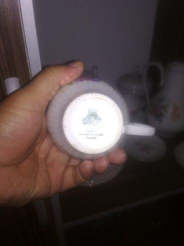 Кухонные принадлежности в Токмак: Продается чайный сервиз