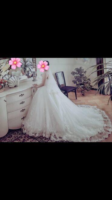 Продаю итальянское свадебное платье в идеальном состоянии. Надевала