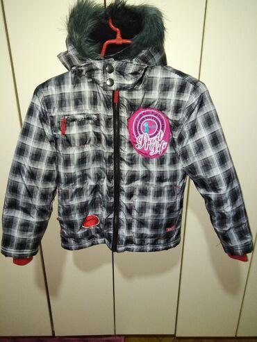 Dečija odeća i obuća - Beocin: Prelepa jakna kao nova jednu sezonu nosena veoma topla, velicina 5-6