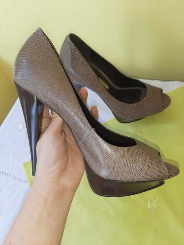 Ženska obuća | Backa Topola: Štikle Savršeno elegantne štikle, malo korišćene i bez tragiva