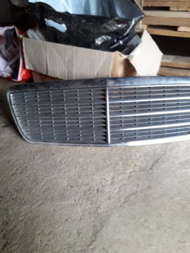 Xırdalan şəhərində W210 oblicovka, radiator barmagligi. Ela veziyetde. Classik model.