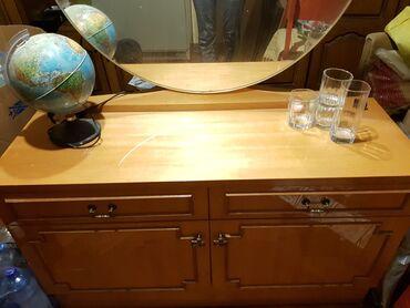 Komoda sa ogledalom, dva nocna stocica i francuski krevet sa sandukom