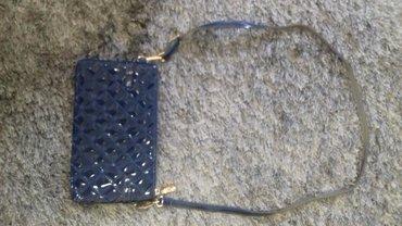 Ostalo | Nis: Prelepa lakovaana torbica kao nova 1700