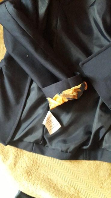 Teget sako vrlo kvalitetan kupljen u ZARI vrlo elegantan nikad nije - Kikinda