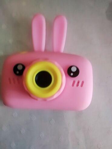 Fotoaparat dovşanlı.Yeni alınıb.İstəyənə daha aşağı verilir.Şəkil