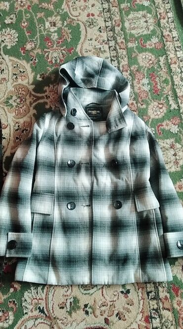 Продаю пальто за 500 сом Ватсапп