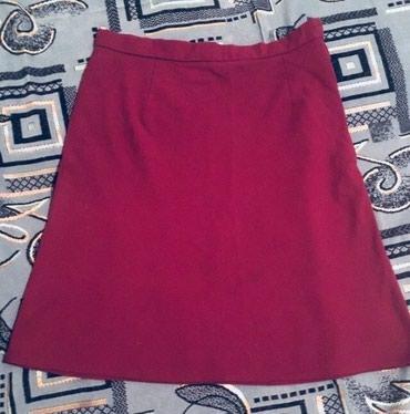 юбка бордовая в Кыргызстан: Юбка вишнево-бордовая 46 размер,надевали один раз