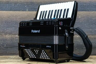 Продам V-аккордеон Roland FR-1X. Состояние отличное, я бы сказала ново