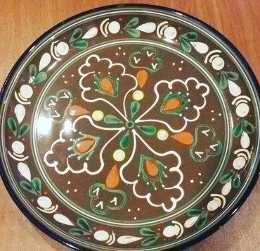 Bakı şəhərində Qedimi Bakinsky keramik Qab. Tam saglamdir