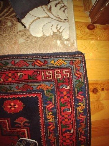 Xırdalan şəhərində Qədimi əl işi ləzgi xalçası satılır. Xalçadan başı çıxan real alıcıya