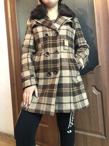 Продаю зимнее/ осеннее/ весеннее пальто .Очень теплая. Размер 44-46-48