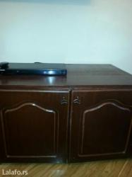 Prodaje se dvokrilna komoda drvo dimenzije 0. 90 x 0. 60 cm - Crvenka