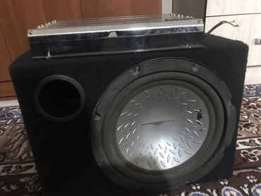 Продаю сабвуфер pioneer 800 watts быу рабочем состояние провод есть це