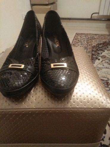 Туфли 38размер кожаные, каблук в Бишкек