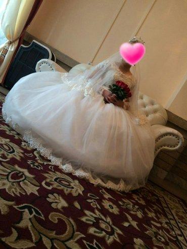 Сдаю на прокат Свадебное платье,размер на 46-50,цвет айвори,кружева,об в Бишкек