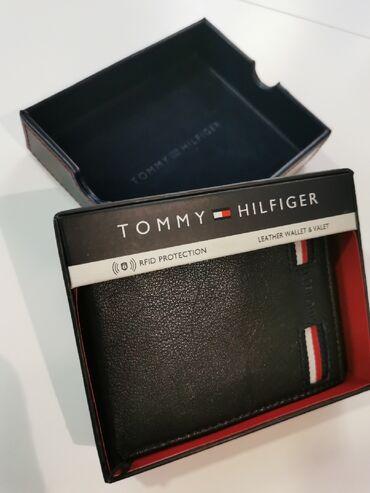 Kozni novcanici - Srbija: Tommy Hilfiger muski kozni novcanik crni 4Nov, original. Od prave koze
