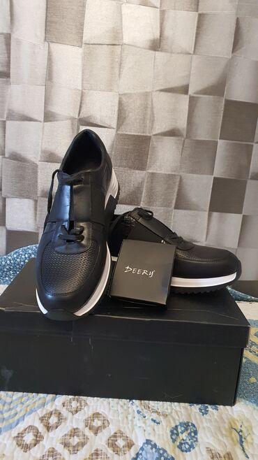 туры с бишкека в Кыргызстан: Продаю мужские кроссовки,заказывали с Турции,не подошел размер(4300с