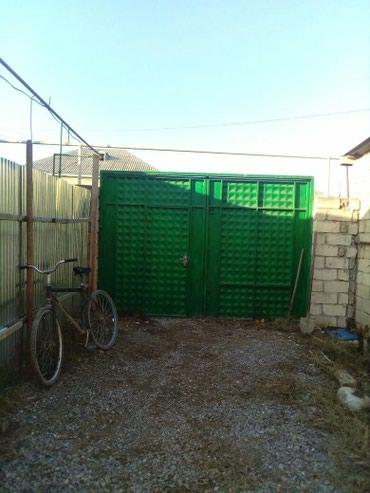 Xaçmaz şəhərində Tecili Xacmazda ev satilir.42000azn.real aliciyla razilasmag olar.
