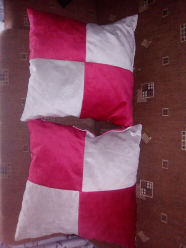 Kuća i bašta - Kladovo: Jastuci od mebla
