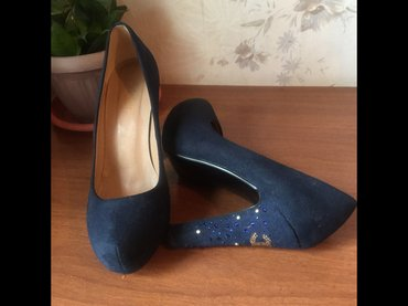 Замшевые туфли, 38 размер, цвет очень в Бишкек