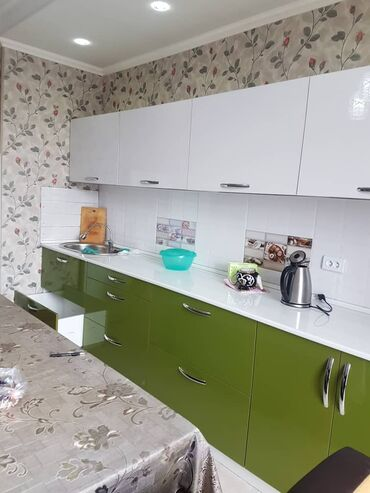 Сдается квартира: 2 комнаты, 76 кв. м, Бишкек