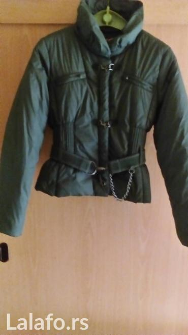 Tamno zelena jakna... Veličina s/m... Obučena svega 3 puta - Vrnjacka Banja