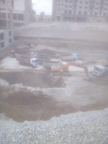 Hacıqabul şəhərində Ekskavator operatoruyam hal-hazirda iş axtariram.İş şeherde ve ya