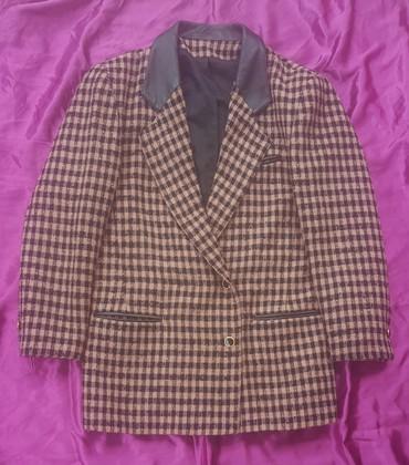 Runske vune - Srbija: Vuneni blejzer crno-roze boje (prljavo roze). Označena veličina je 12