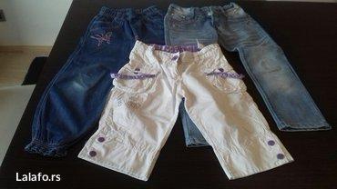 Paket za devojcice 1 farmerke 1 pantalone i 1 bermude velicina 8 - Pozarevac