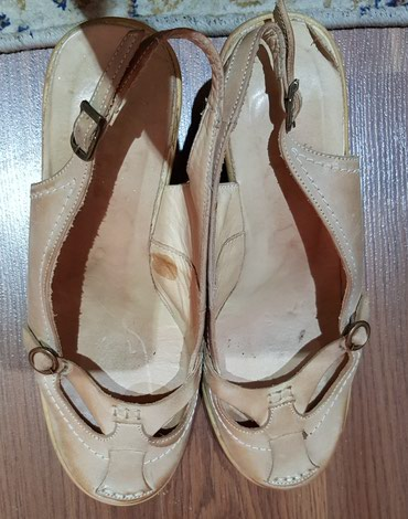 Почти новые босаножки 38 размер.  турецкий. одевали 2 часов. кожа 100% в Бишкек