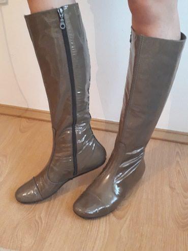Zenske kvalitetne, lakovane cizme, u odlicnom stanju,kao nove! uzi - Novi Pazar