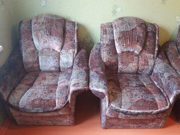 Продаю мебель б/у в хорошем состоянии..Диван + 2 кресла, шкаф 2.10 × 1 в Бишкек