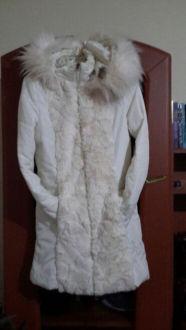 Zenska bela jakna sa krznom POVOLJNO