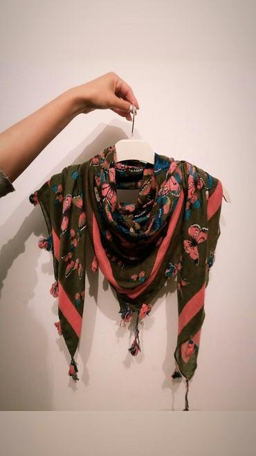женская шляпа модные в Кыргызстан: Модный шарф, с Кореи. состояние хорошее) торг возможен