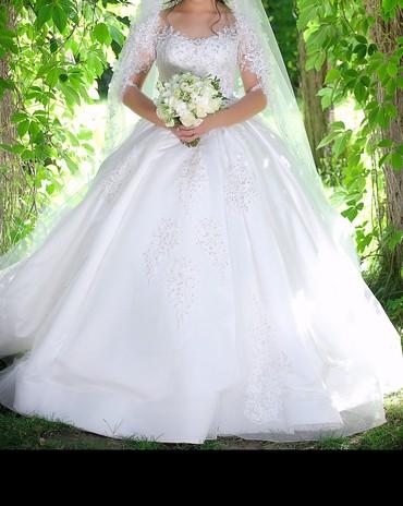 Свадебные платья и аксессуары - Бишкек: Продаю шикарное свадебное платье! Одевалась один раз ! Состояние