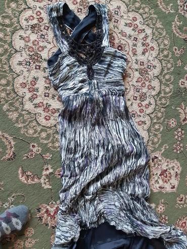 вечернее платье с открытой спиной в Кыргызстан: Шикарное с открытой спиной бисер с переди со шлейфом сзади.будете не
