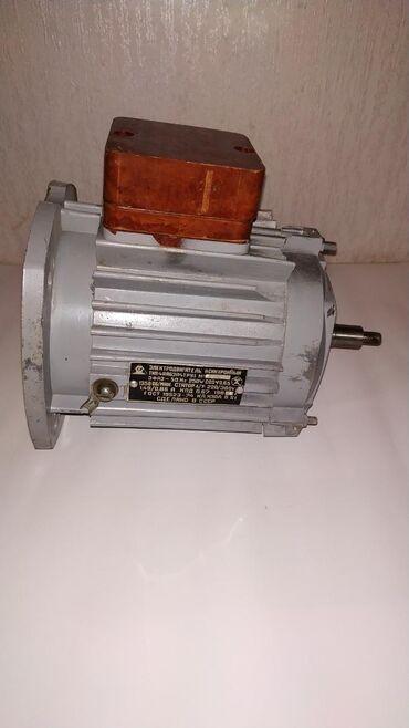 Asinxron motor - Azərbaycan: Asinxron mühərrik 3 fazlı,gücü 250 wt1350d/d.Əlavə məlumat üçün zəng