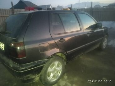 Транспорт - Кок-Ой: Volkswagen Golf 1.8 л. 1994