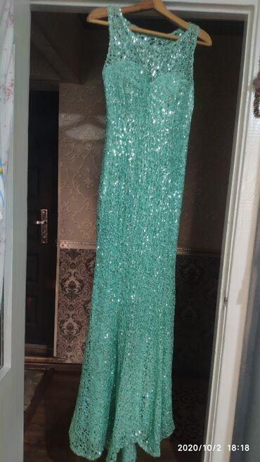 вечерние платья со шлейфом в Кыргызстан: Продаю шикарное платье вечернее с шлейфом пайетки турецкое