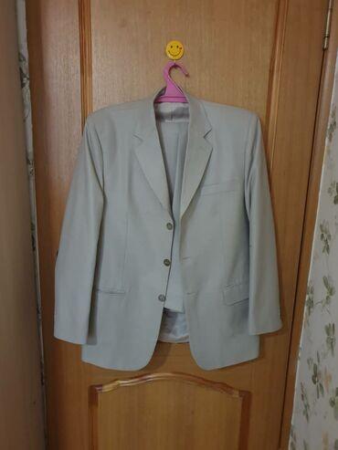бежевые мужские мокасины в Кыргызстан: Продаю 2 мужских костюма, произ.Италия, одевались 2 раза, отличное