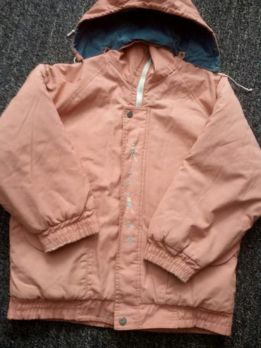 Курточка для девочки 150сом Токмак Микр в Токмак