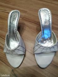 Bele papucice 38 br. ,imaju gresku koja se vidi po slikama - Futog